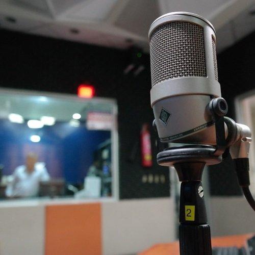 Radio to improve English speaking